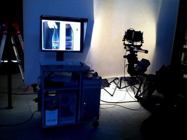 ▲プロフォトグラファーによるスタジオ撮影風景